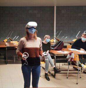 Studenten proberen VR uit